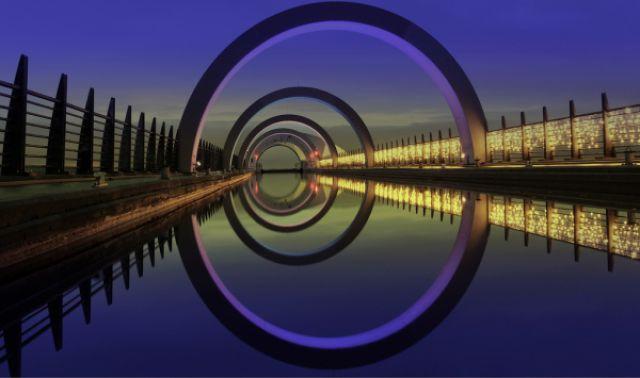 صور اعجبتني striking_reflective_