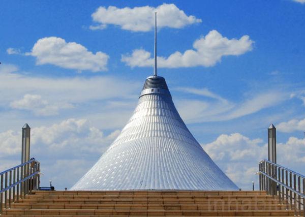 مركز ترفيه يقع في استانا the_biggest_tent_640