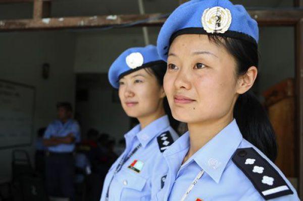 前へ 次へ 出典  【婦人警官】世界の女性警察官・制服コレクション【婦警さん】