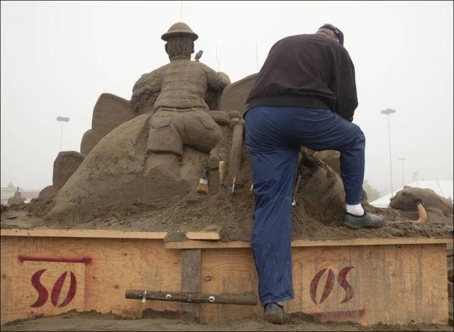 Amazing Sand Sculptures 2010 (31 pics)