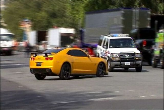 "Unscripted Car Crash at the Filming of ""Transformer 3"" (6 pics + 1 video)"