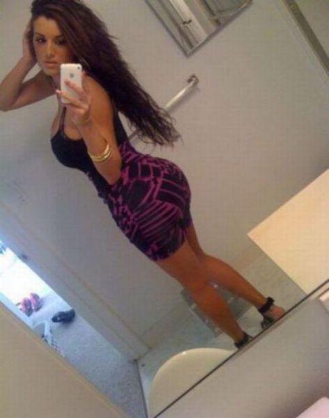 SUPER SEXY DENGAN BAJU KETAT. Oh_my_those_tight_dresses_640_29