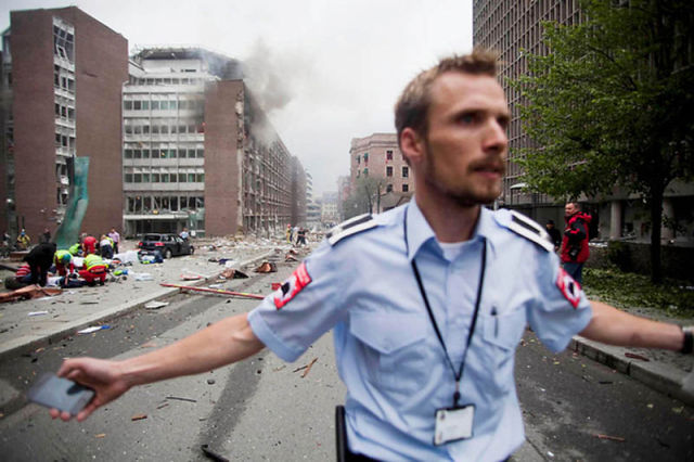 Dramatic Images from Oslo Norway Bomb Scene