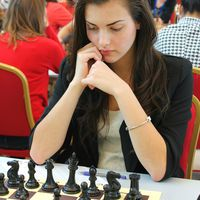 This Girl Might be the Sexiest Chess Player in the World  (9 pics)