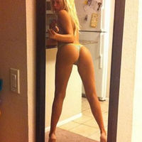 Tall Girls Showing Off Their Gorgeous Legs  (47 pics)