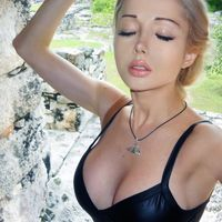 Valeria Lukyanova Is Now a Sporty Girl Too  (25 pics)