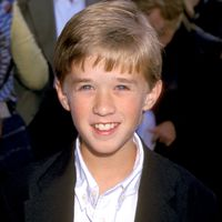 Do You Remember This Kid from 'The Sixth Sense'?  (5 pics)