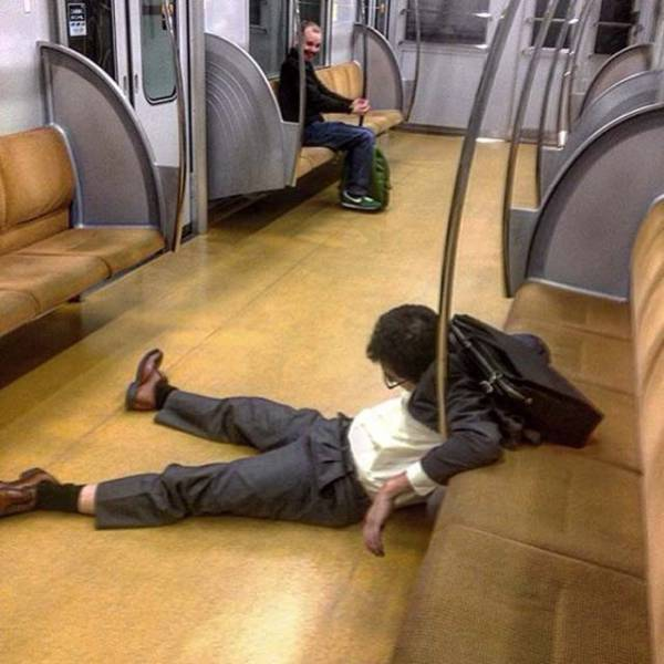 Drunk Japanese People Falling Asleep In Public Places (40