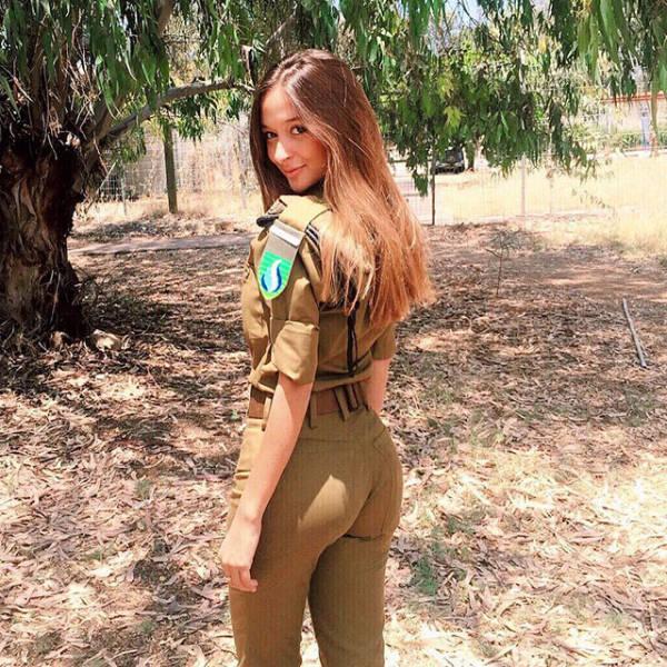 nude thai girl photo